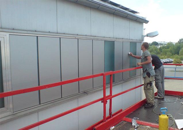 Befestigung von Grünglas und Industrieglas im 2. Stock bei Marc Cain in Hechingen