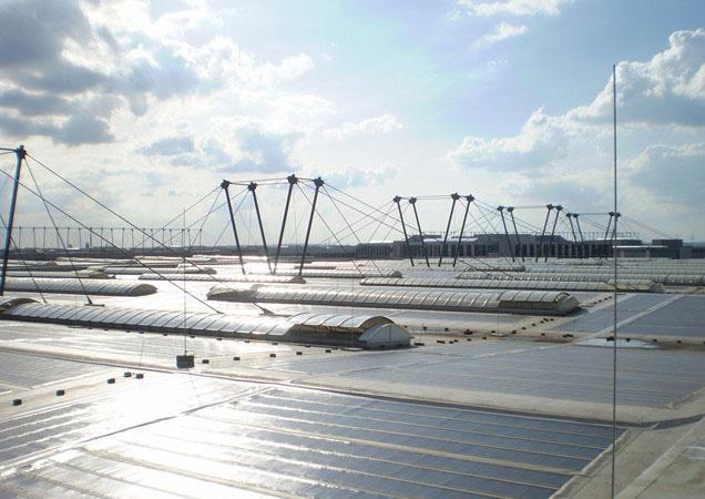 Sonnenschutzfolie auf Kunststoff auf Dachkuppeln bei Faurecia in Ingolstadt