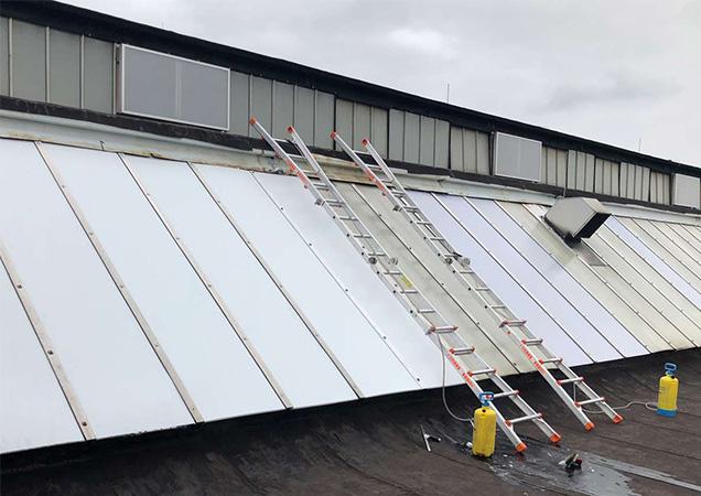 Sonnenschutzfolie auf Kunststoffdach